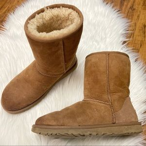 Women's ugg Australia classic brown boot
